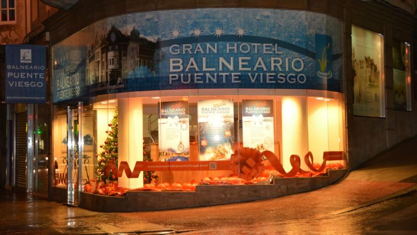 Punto de venta de navidad en Santander del Gran Hotel Balneario de Puente Viesgo