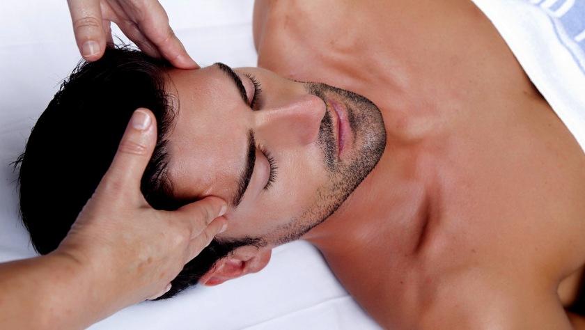 Tratamiento de belleza facial para hombre